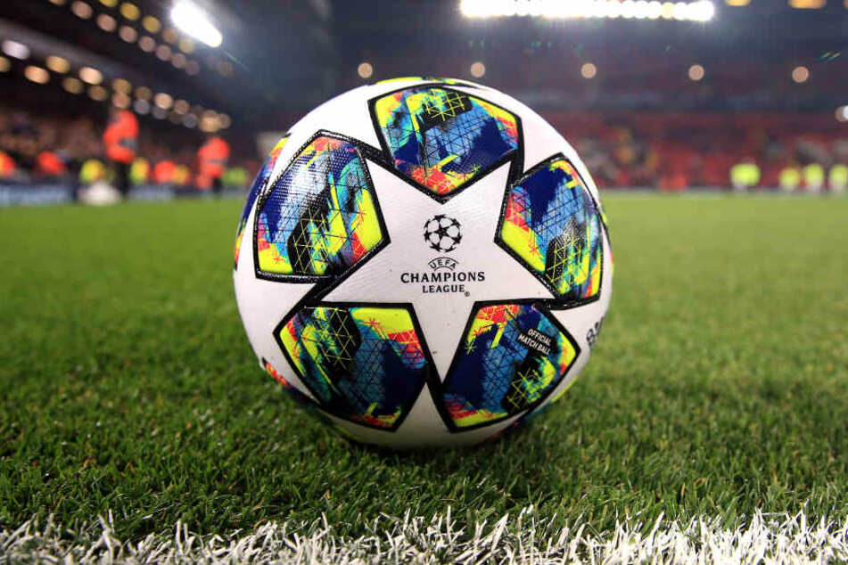 Zwei Fußball-Europacupspiele finden vor leeren Rängen statt. (Symbolbild)