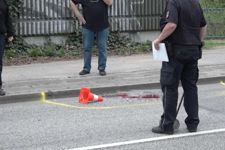 Acht Augenzeugen traumatisiert! Lastwagen überfährt Frau - sie stirbt vor Ort