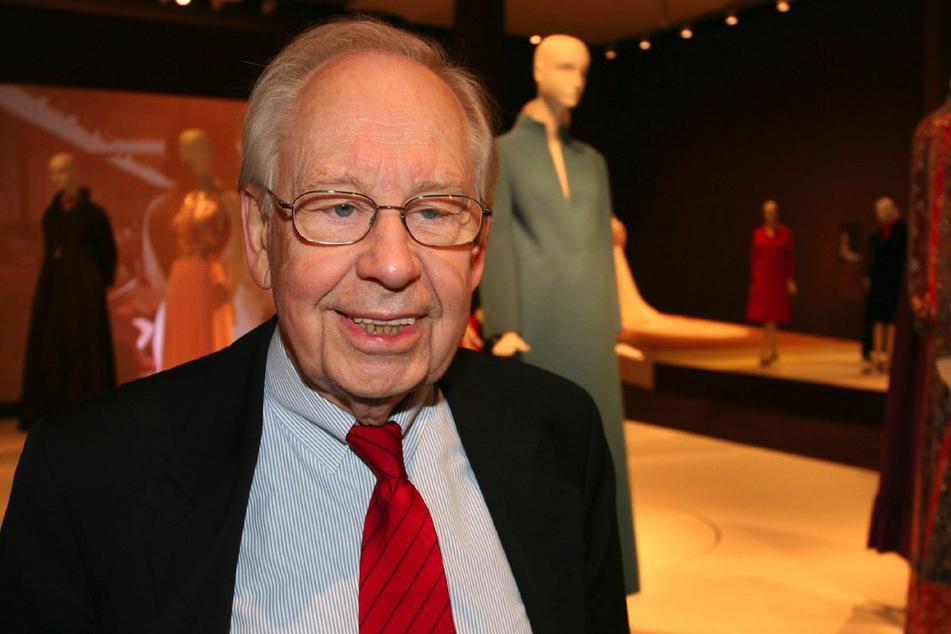 Uli Richter (†94) bei einer Ausstellung im Jahr 2007. Der Modeschöpfer ist am Donnerstag im Alter von 94 Jahren in einem Berliner Krankenhaus gestorben. (Archivfoto)