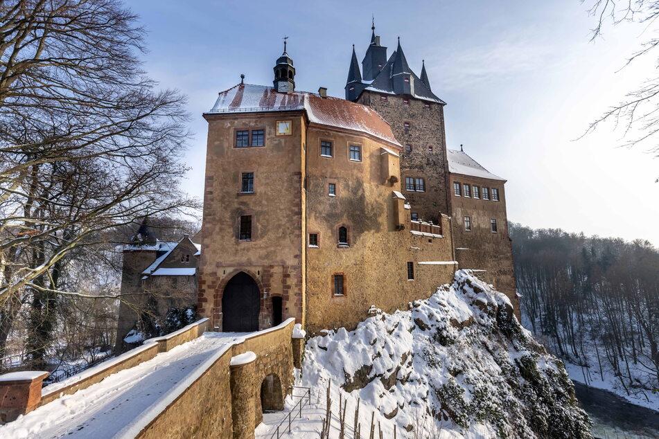 Unterhalb der Talsperre Kriebstein erhebt sich auf einem Felssporn hoch über der Zschopau die mittelalterliche Burg.