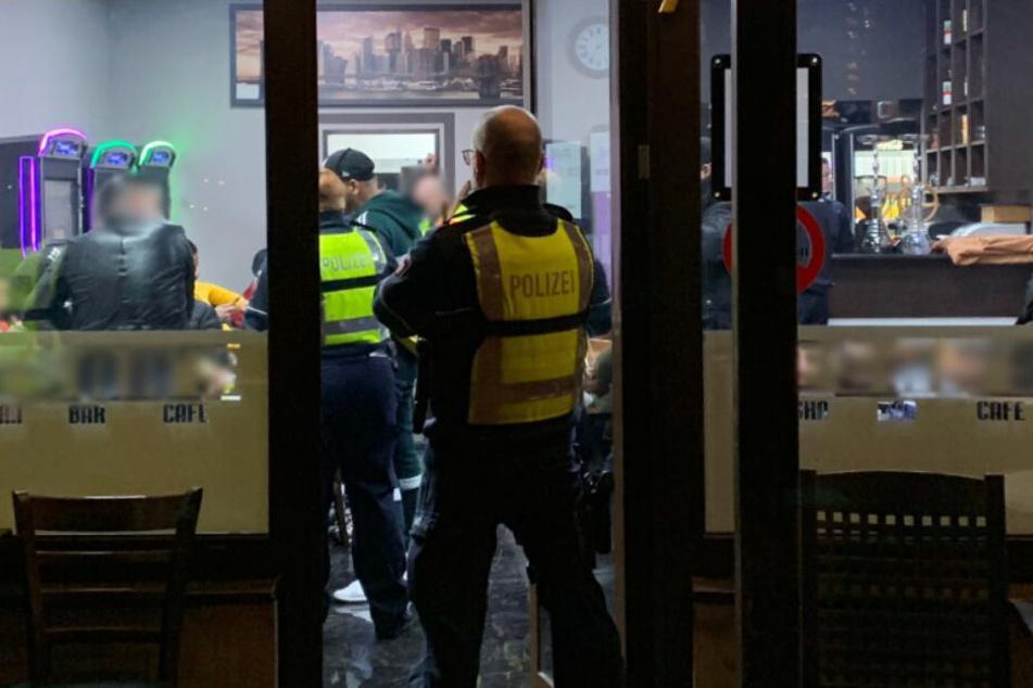 Razzien in Nippes und Chorweiler: Bars, Spielhallen und Gaststätten kontrolliert