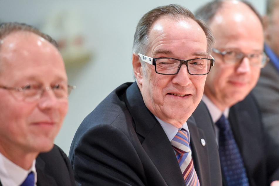 Bernard Kiezewski, Hans-Jürgen Laufer und Prof. Dr. Hermann J. Richter stehen vor der Wiederwahl.