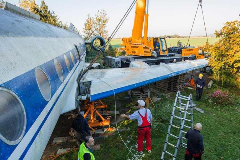 Für den Transport mussten auch die Flügel demontiert werden.