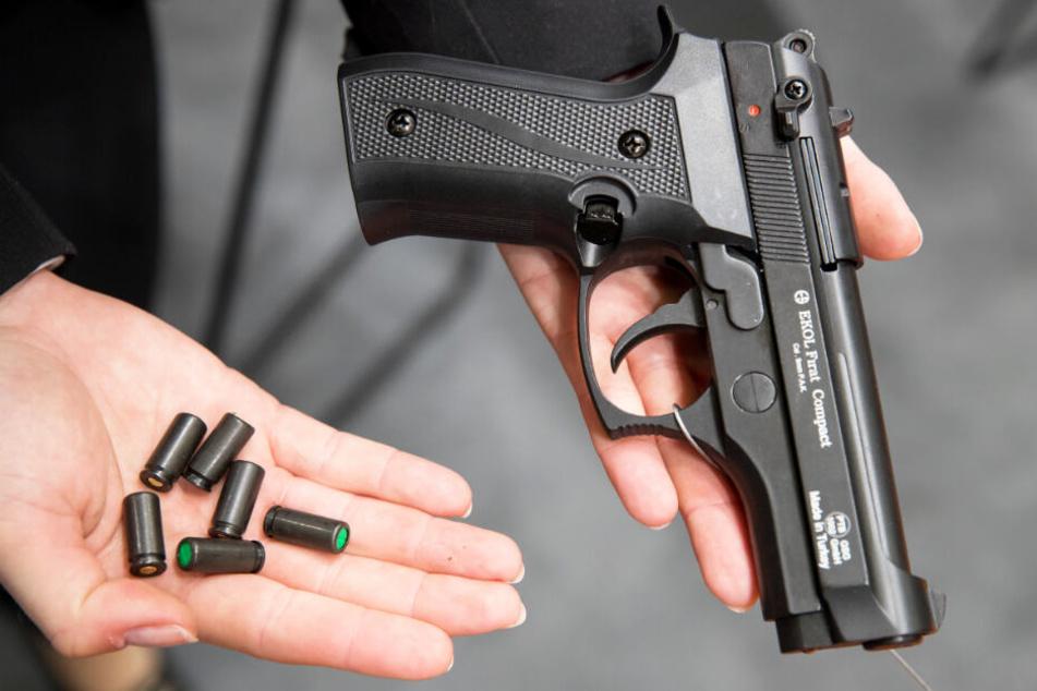 Zahl der kleinen Waffenscheine hat sich seit 2015 von knapp 50.000 auf über 100.000 mehr als verdoppelt.