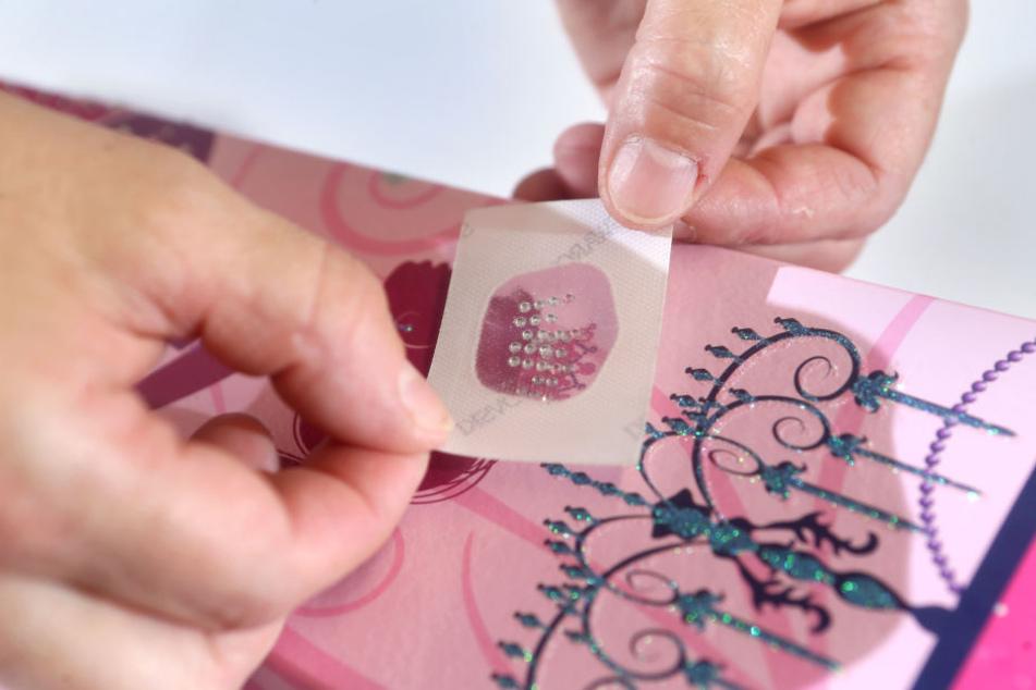 Ausgeliefert wird die Zuckertüte im Wert von 130 Euro mit Satinschleife und in Seidenpapier verpackt.