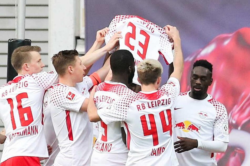 Auf dem Weg nach Leipzig: HSV-Fans zünden ICE-Toilette an