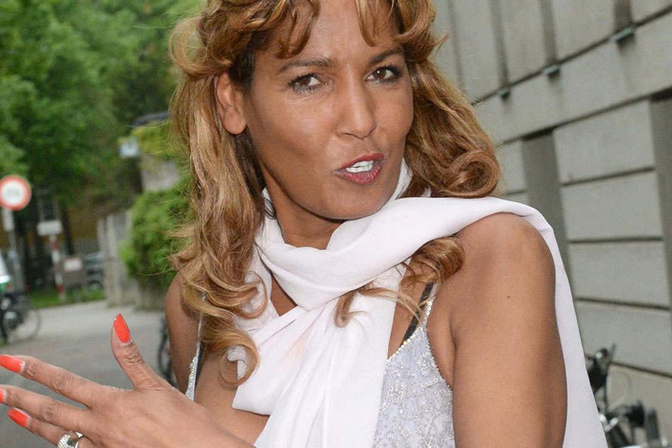Nadja abd el Farrag (52) würde sich mal wieder über etwas Kribbeln freuen. Doch es will nicht klappen.