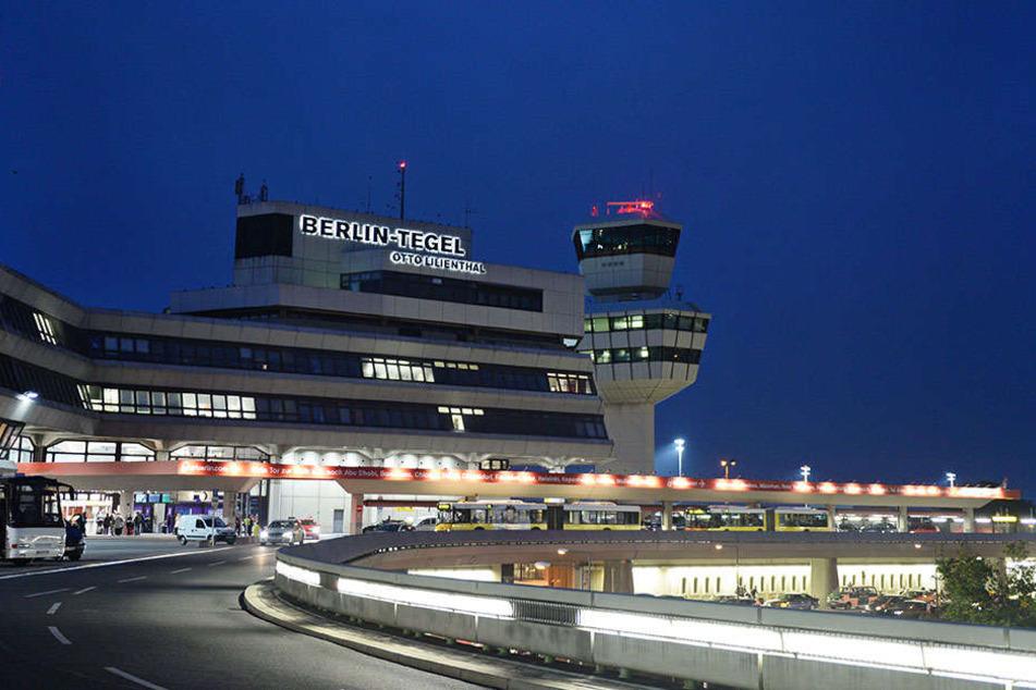 Am Flughafen Tegel wurde eine verdächtige Tasche gefunden.