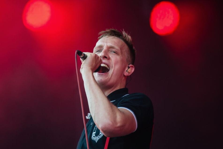 Kraftklub-Sänger Felix Kummer erfüllt sich mit dem eigenen Plattenladen einen Traum.