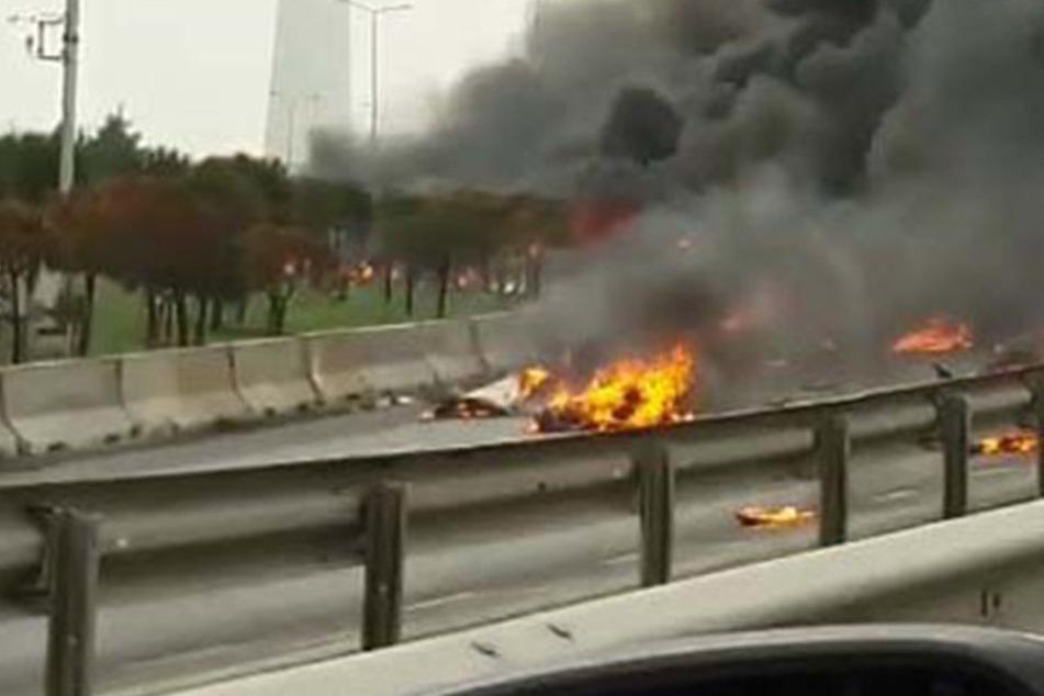 Hubschrauber zerschellt an Fernsehturm: Fünf Tote