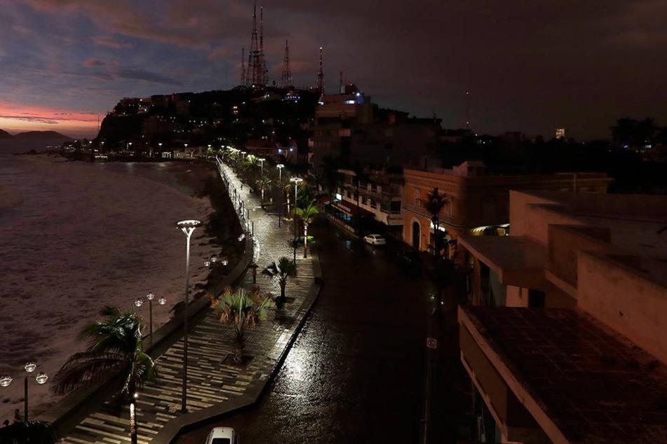 """Hurrikan """"Willa"""" trifft mit 195 km/h auf Westküste Mexikos"""