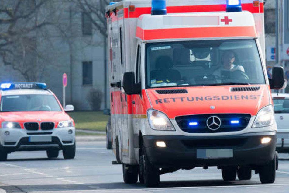Suff-Fahrer erfasst Fußgänger: Ehepaar schwer verletzt