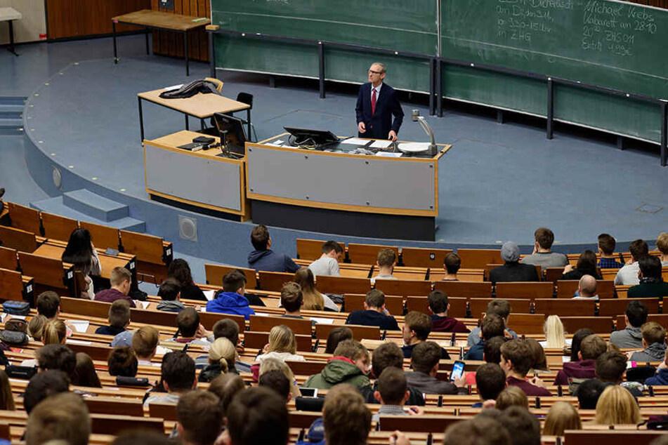 Werden die geplanten Studiengebühren für Nicht-EU-Studenten Studierende aus dem Ausland abschrecken? Die Rektoren gehen davon aus. (Symbolbild)