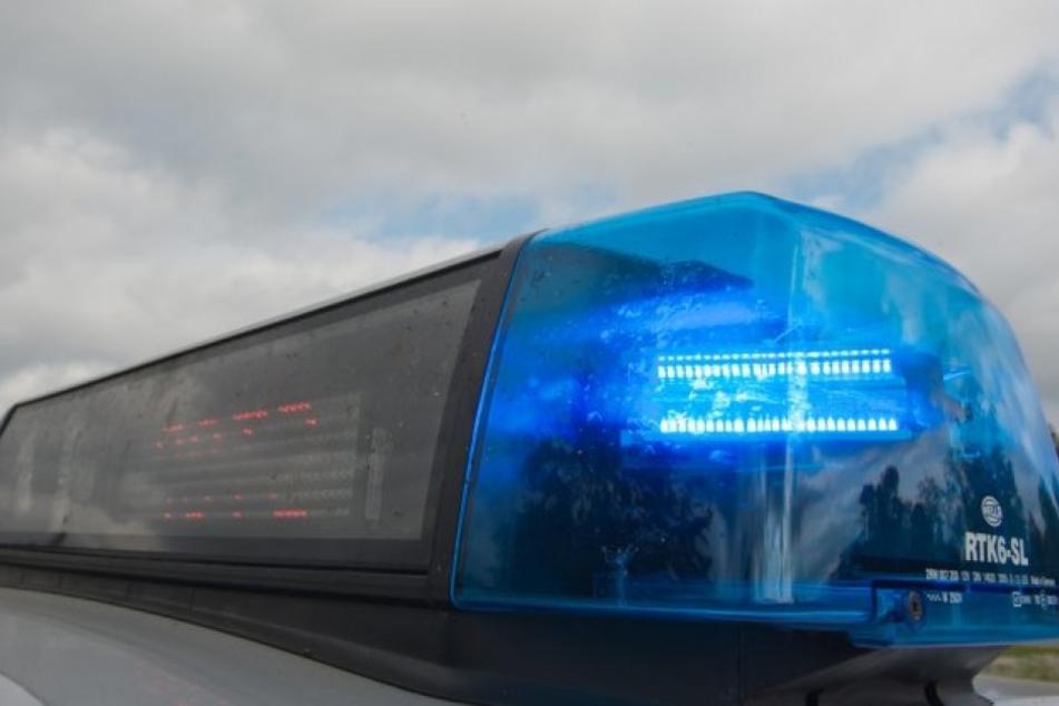 Die Polizei sucht einen mutmaßlichen Mittäter, der an dem Mord beteiligt sein soll. (Symbolbild)