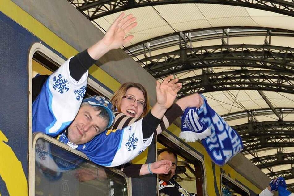 Wieder einmal ein Sonderzug für die Fans der Eislöwen. Am 30. Dezember heißt es: Auf nach Bad Tölz! Noch sind Tickets für den Trip nach Bayern zu haben.