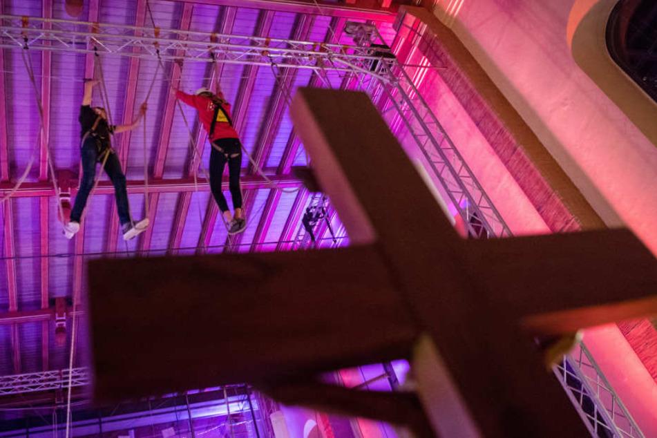 Noch bis 22. Oktober können Kletterbegeisterte sich in der Kirche austoben.