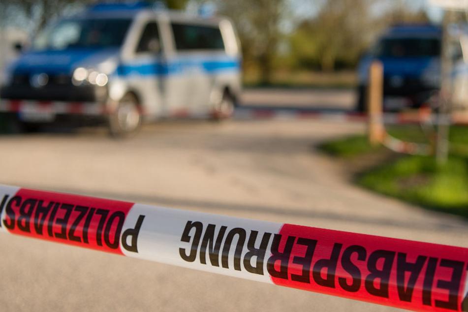 Auf einem Supermarkt-Parkplatz wurde die Leiche eines Mannes gefunden. (Symbolbild)
