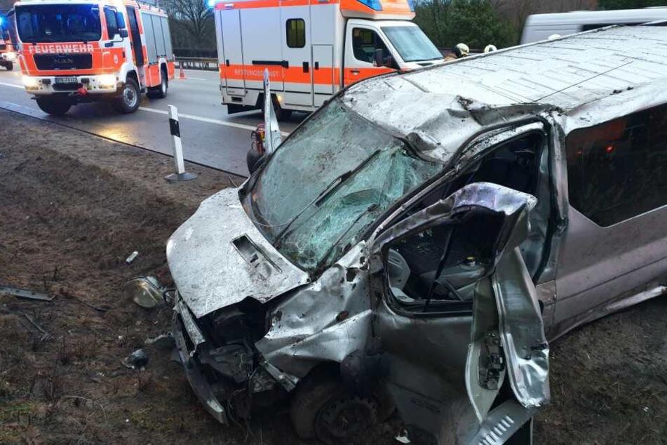 Alle vier Insassen mussten schwerverletzt in ein Krankenhaus gebracht werden
