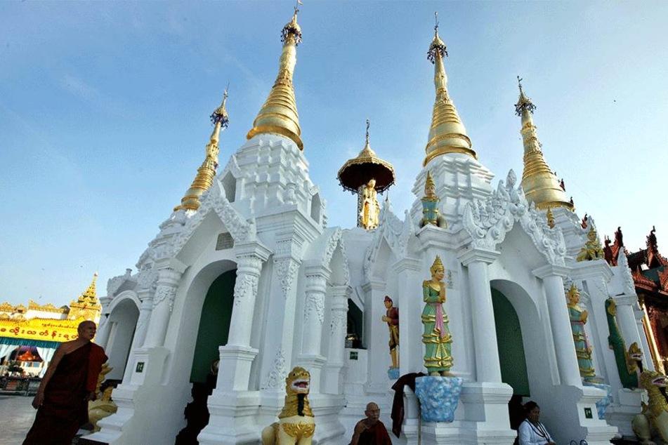 Eine von mehreren Pagoden in dem Urlaubsparadies Myanmar (ehemals Birma).