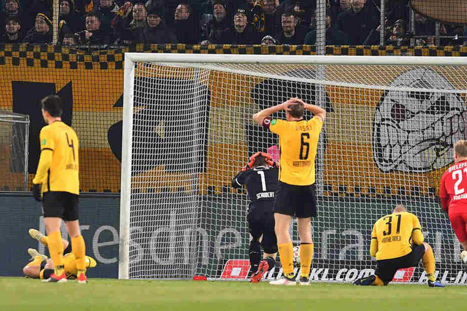 3:1 führte Dynamo schon gegen Arminia Bielefeld. Am Ende stand eine schmerzvolle 3:4-Niederlage auf der Anzeigetafel.