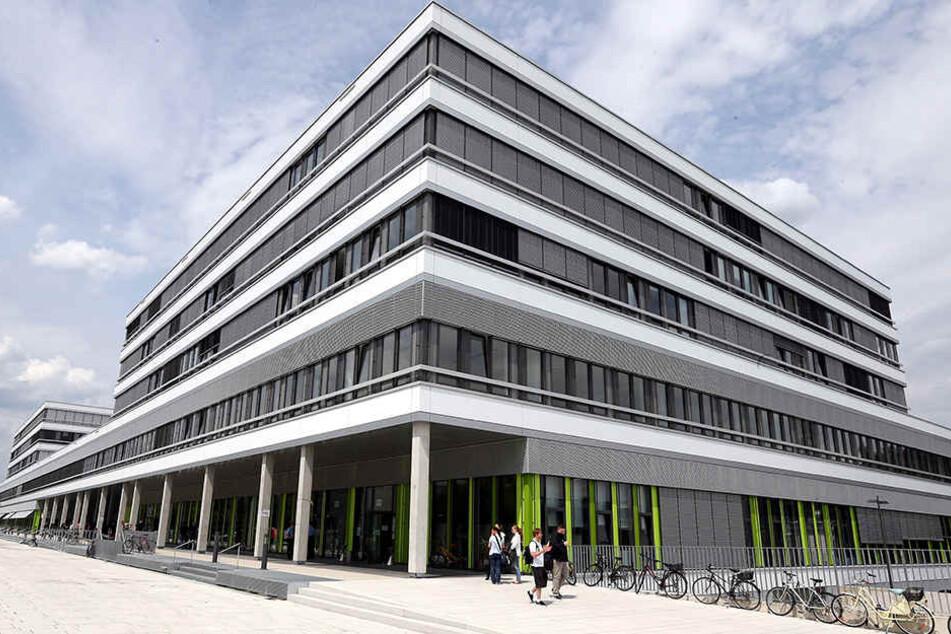Das Gebäude X hat satte 130 Millionen Euro verschlungen.