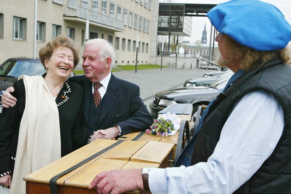 Sachsens ehemaliger Ministerpräsident Kurt Biedenkopf und seine Frau Ingrid mochten Jochen Schalk und plauderten hin und wieder miteinander.