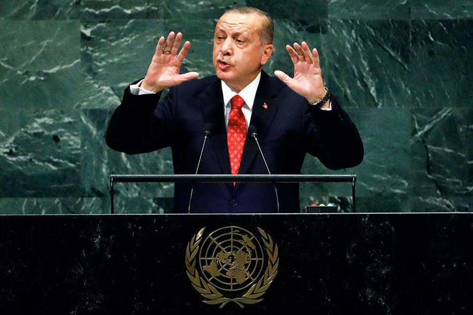 Die Türkei mit ihrem Präsidenten Recep Tayyip Erdogan sind Deutschlands Konkurrent bei der EM-2024-Vergabe.
