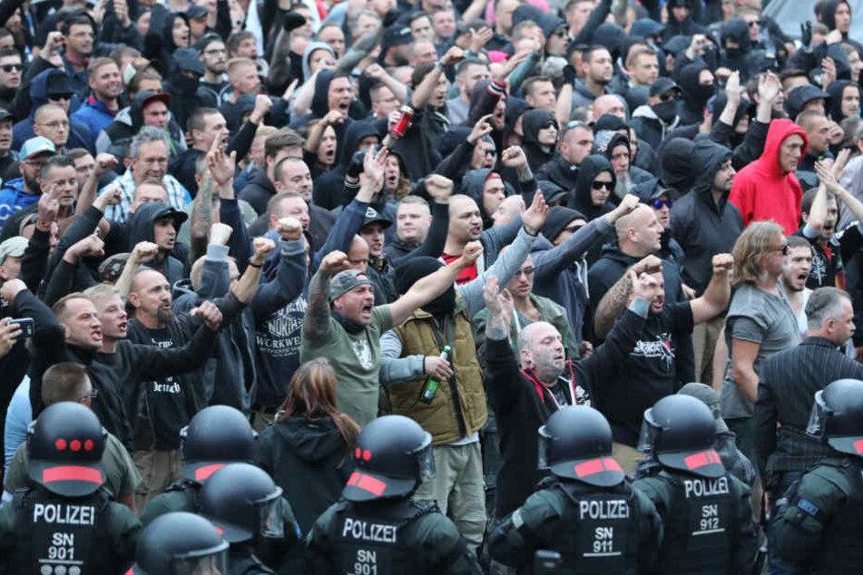 Rechte brüllten in Chemnitz radikale Parolen. Mit Trauer oder Anteilnahme hat das nichts zu tun.