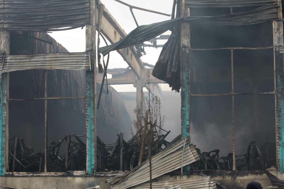 Spezialisten suchen nach Ursache für Großbrand in Oederan