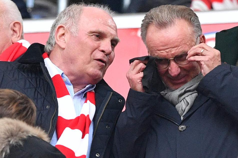 Abteilung Attacke hat wieder zugeschlagen - Uli Hoeneß und Karl-Heinz Rumenigge haben sich vor ihren Bayern-Torwart gestellt.