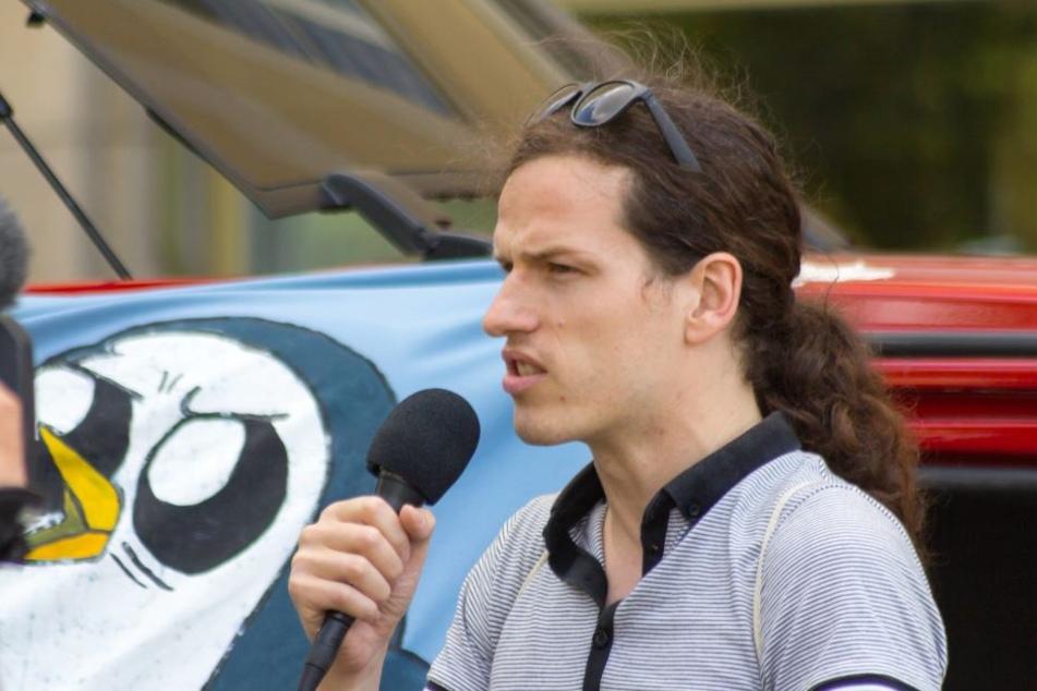 Jürgen Kasek (36) wurde wieder mal Opfer eines feigen rechtsextremistischen Anschlags.