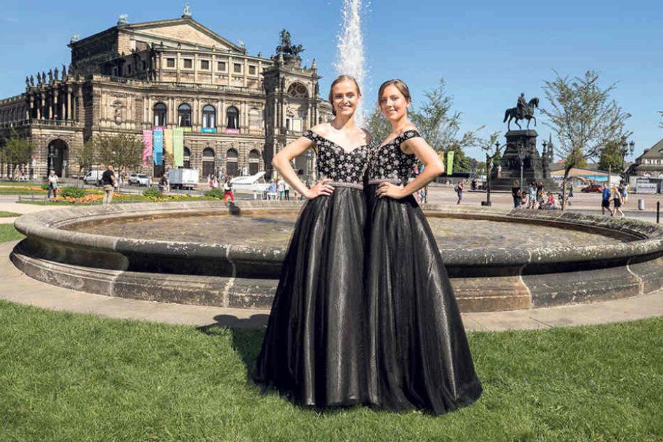 Ganz in Schwarz: Josefa (17, l.) und Linda (23) präsentieren das  Debütantenkleid des 13. SemperOpernballs.