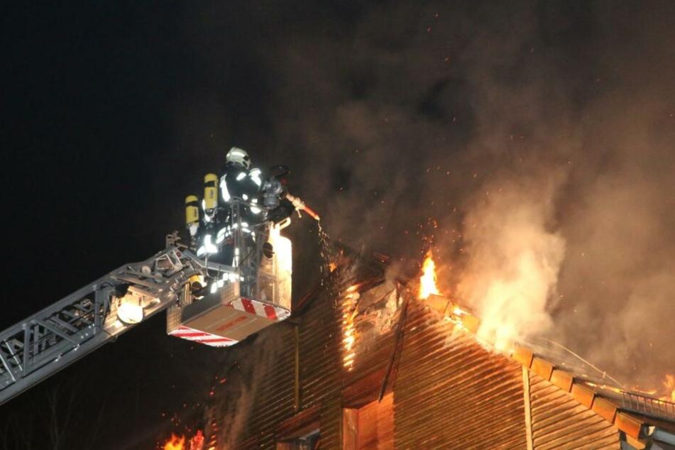 Im Kulturzentrum auf dem Kesselberg ist in der Nacht ein großes Feuer ausgebrochen.