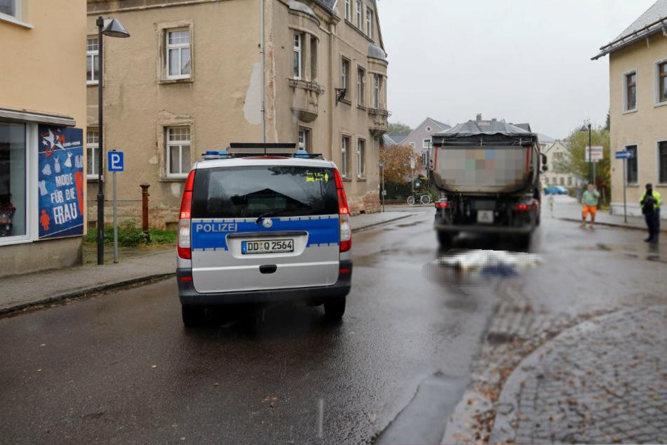 Tödlicher Unfall im Erzgebirge: Laster erfasst Fußgängerin