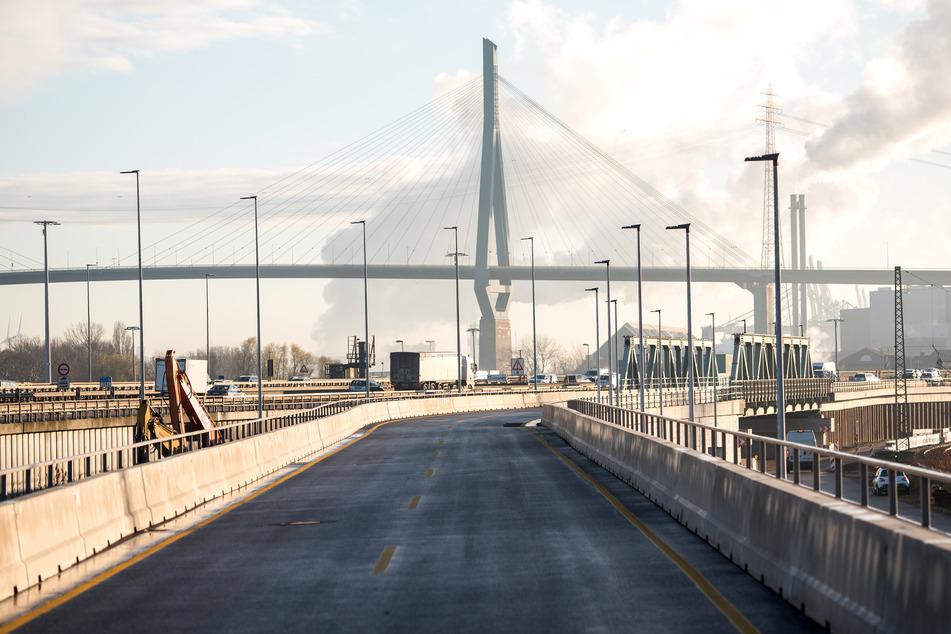 Ab Montag! Hamburgs Köhlbrandbrücke wird zur B3 und mautpflichtig