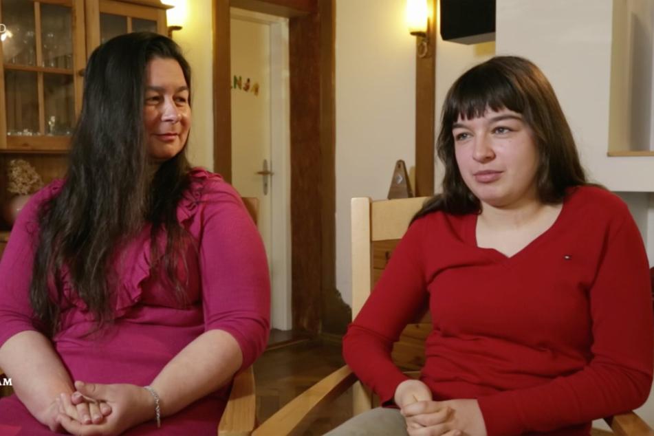 Doreen (46, li.) und Tochter Fenja Musold sind im vergangenen August nach Italien geflogen und wissen bis heute nicht, was mit ihrem Gepäck passiert ist.