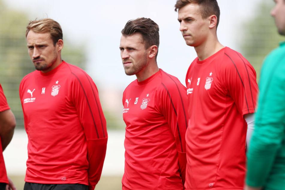 Toni Wachsmuth (l.) fordert Reife statt Schiri-Schelte vor dem Spiel am Sonntag gegen Kaiserslautern.