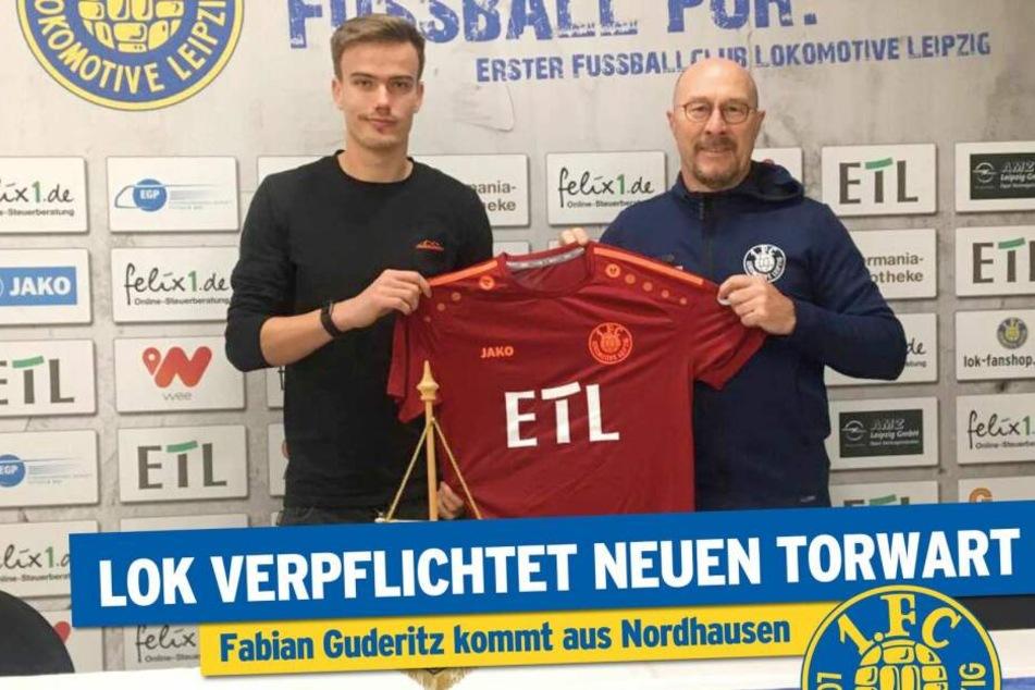 Cheftrainer Wolfgang Wolf freut sich über seinen Neuzugang.