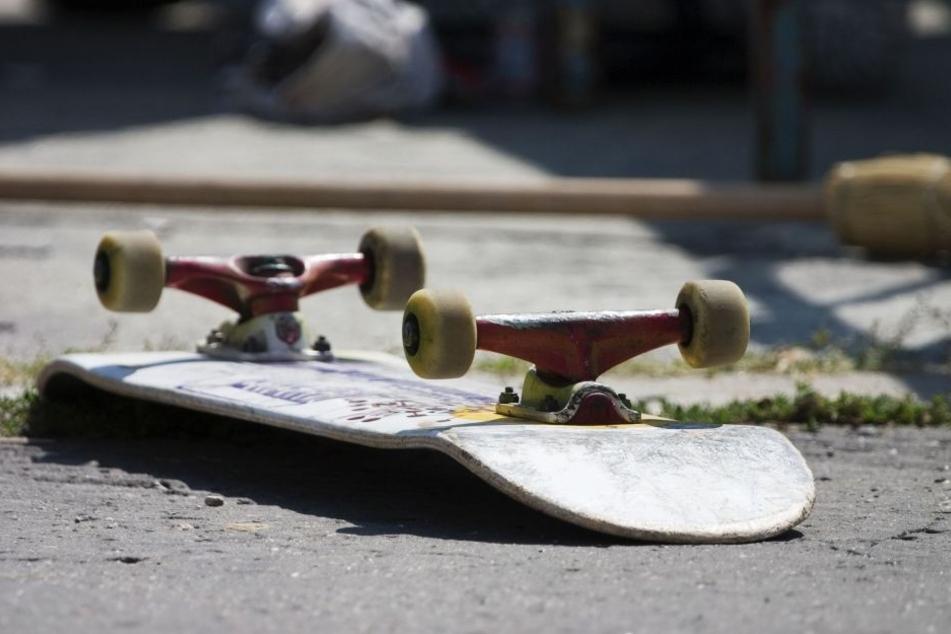 Der Skateboarder wurde bei dem Unfall schwer verletzt (Symbolbild).