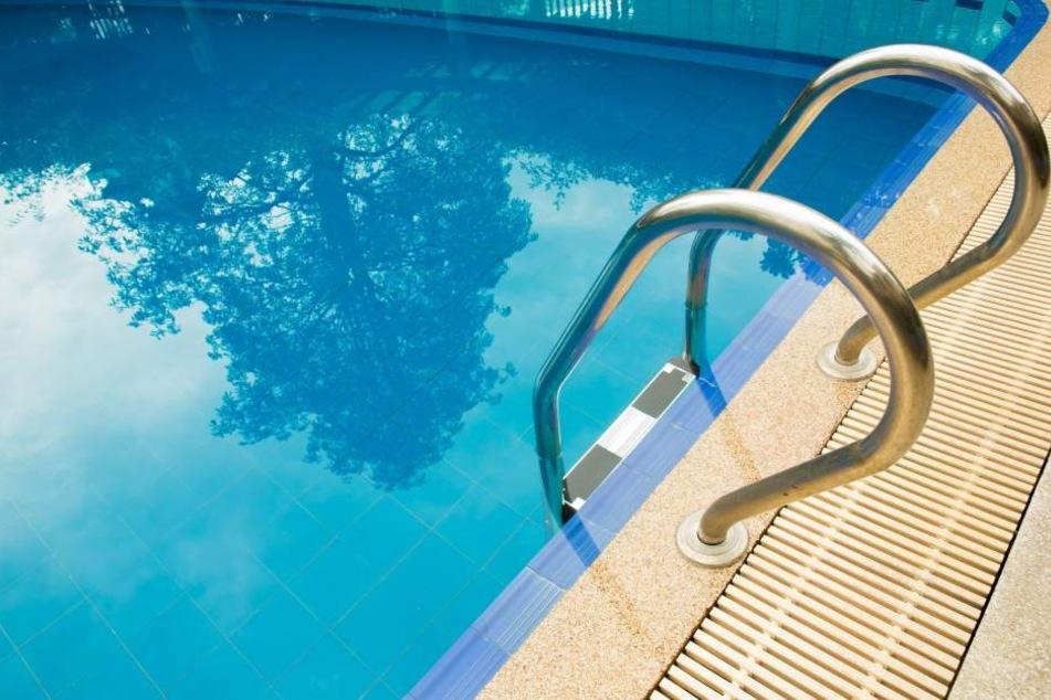 Letzten Sommer ertrank ein deutsches Mädchen in einem Prager Pool. (Symbolbild)