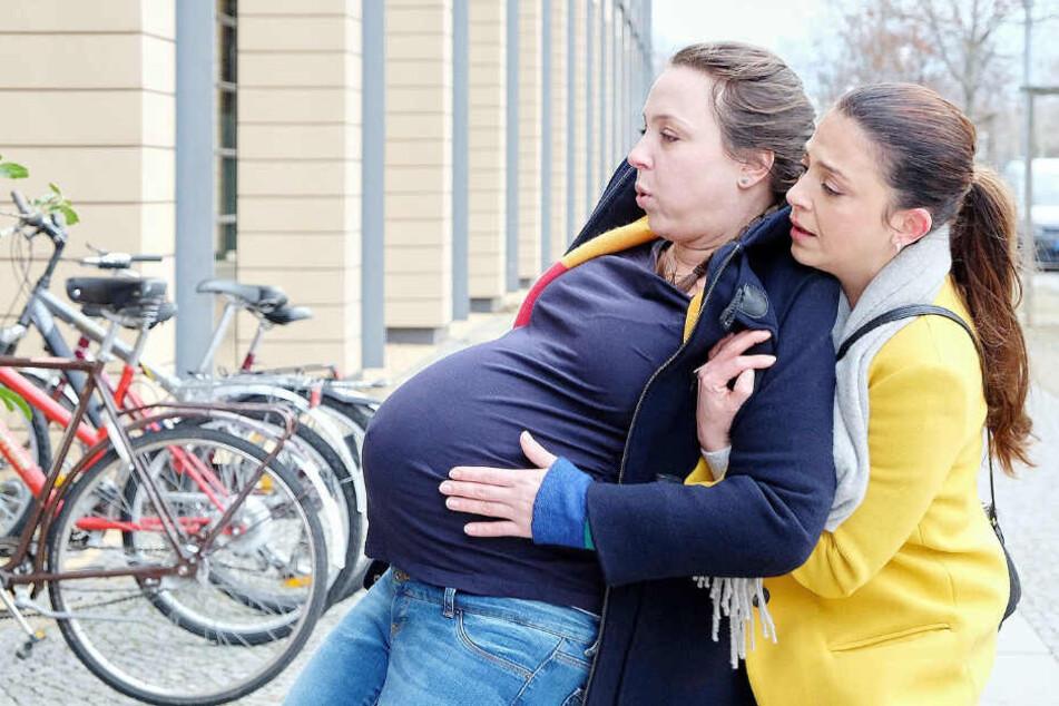 Oberschwester Arzu merkt sofort, dass mit der hochschwangeren Nadine Vollmer etwas nicht in Ordnung ist.
