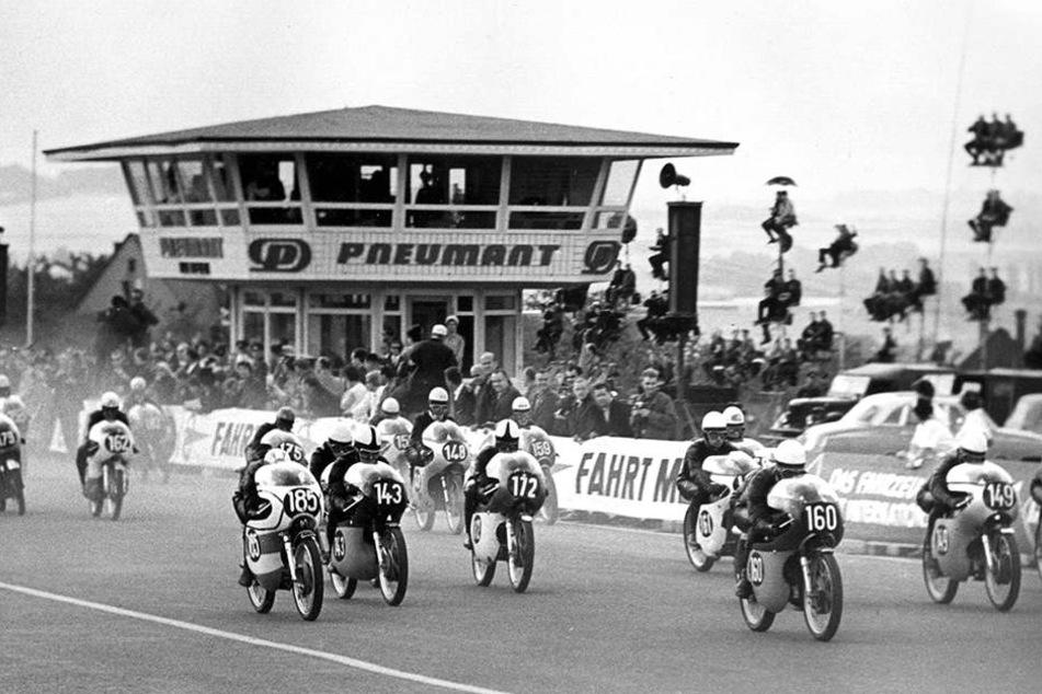 Schon 1966 qualmten die Reifen auf dem Sachsenring.