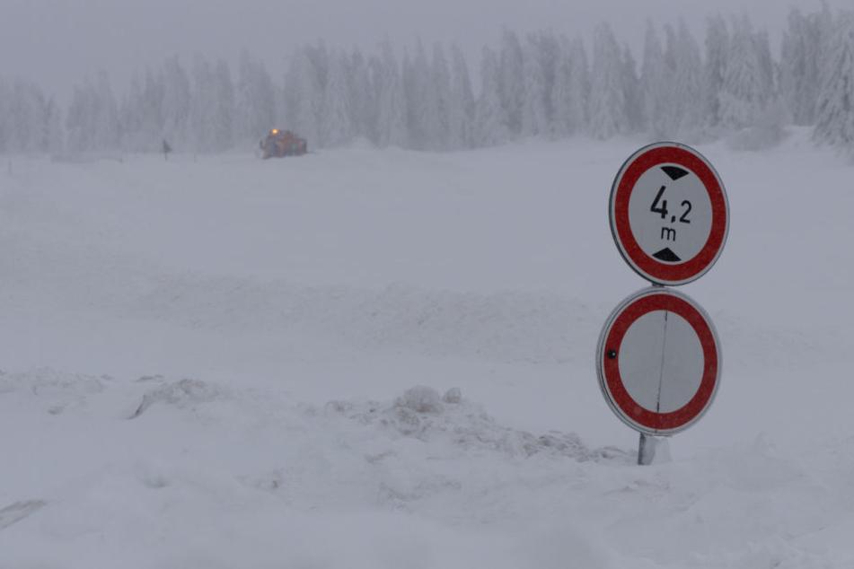 Schneemassen auf dem Fichtelberg.