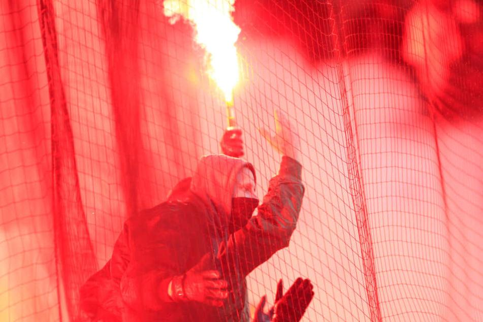 Randale bei Gladbach-Testspiel: Prügelei mit 40 gegnerischen Fans