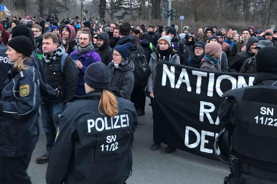 Die Gegner an der Ecke Stübelallee/Karcherallee.