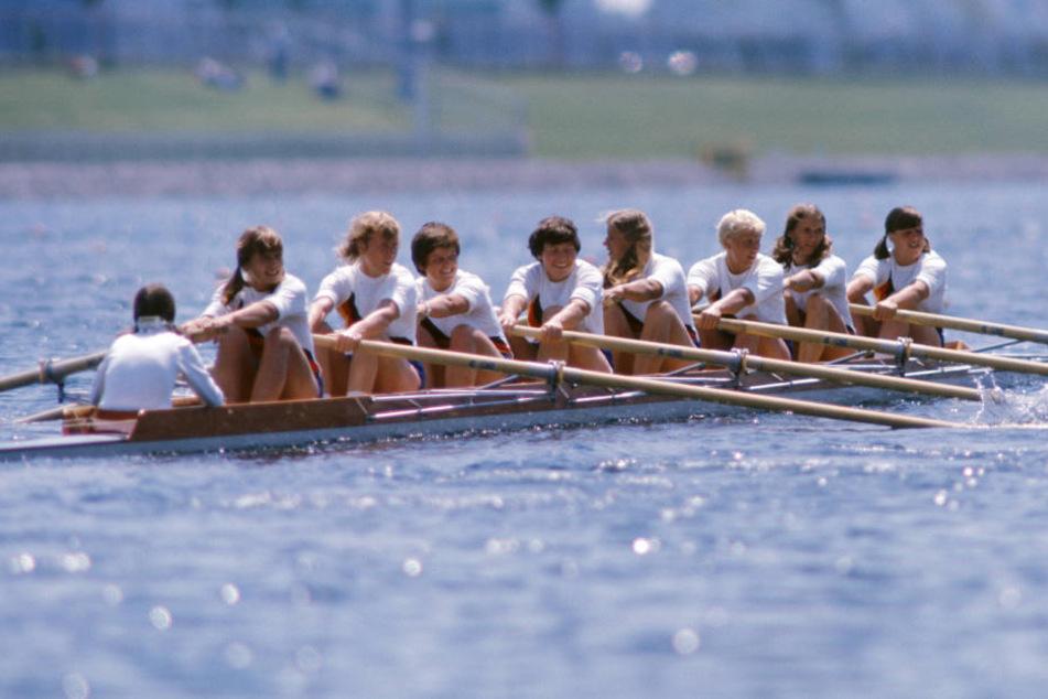 Die Ruderinnen des DDR-Frauen-Achters bei den Olympischen Spielen 1976 in Kanada.