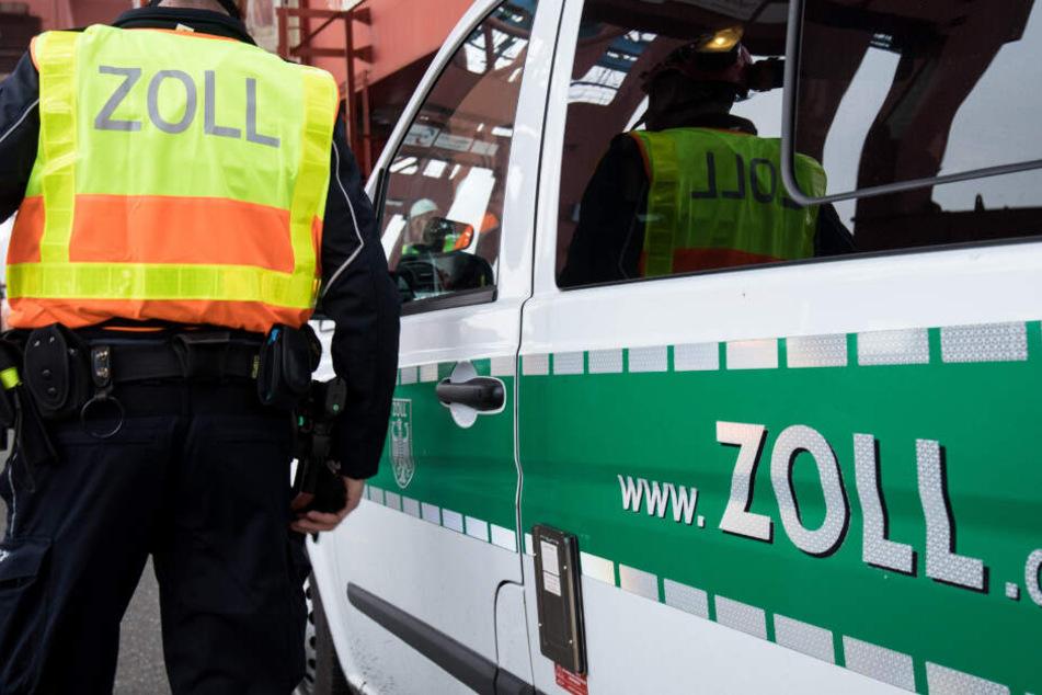 Beamte des Zolls wurden in München bei einer Kontrolle fündig. (Symbolbild)