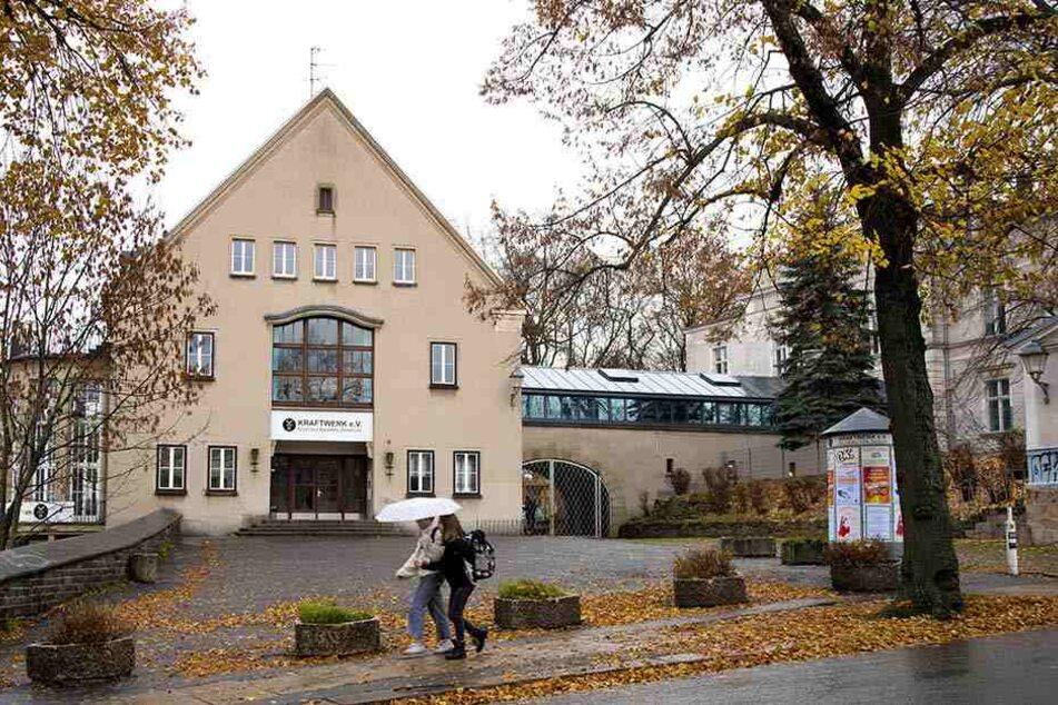 """Seit 2003 hat das """"Kraftwerk"""" seinen Sitz in der Kaßbergstraße. Gegründet wurde der Verein im Haus """"Einheit"""", Zwickauer Straße."""