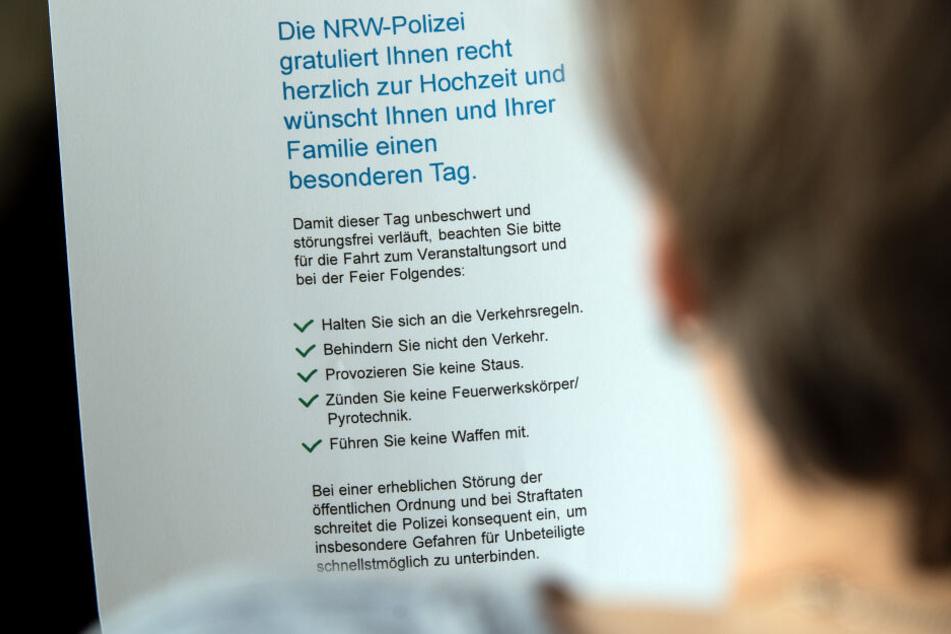 Dieser Flyer soll Leute vor ausufernden Feiern warnen.