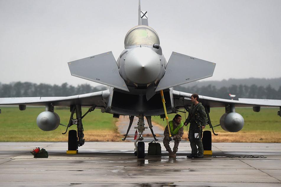 Zwei britische Eurofighter durchbrachen die Schallmauer - das rief Sorgen bei Bürgern hervor!